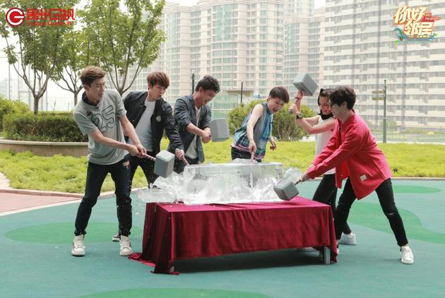 【160801】《邻居》首站成功 陈翔大左湿身狂舞夺奖