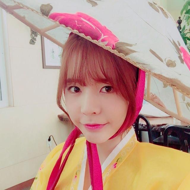 【160810】古典美人的早安问候 Sunny韩服照魅力上线