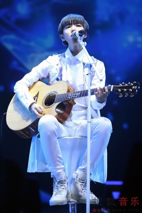 【160815】TFBOYS三周年完美收官 王俊凯新歌首唱《树读》