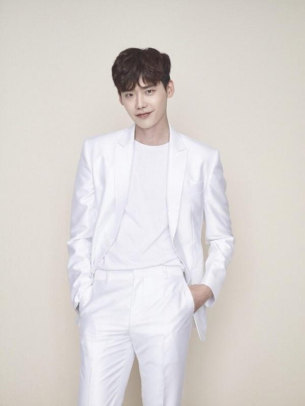 【160819】李钟硕确定出演《VIP》 挑战反派角色