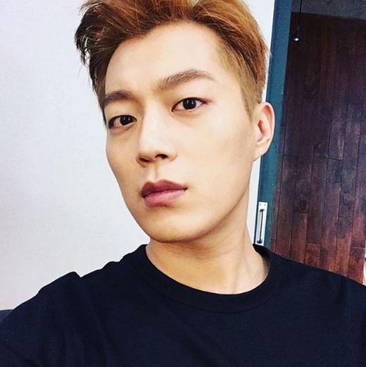 【160822】尹斗俊友情客串《打架吧鬼神》 今日下午参与拍摄