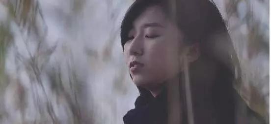 她是王俊凯的姐姐?17岁一鸣惊人18岁签约发片19岁活成了自己想要的样子