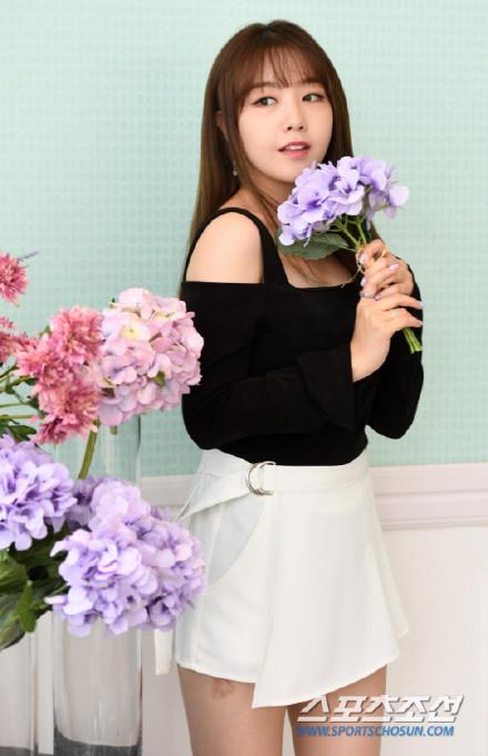 [160907]敏雅担任第十一届首尔国际电视节MC