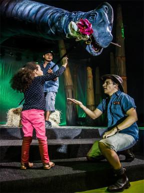 澳大利亚环球剧团科普互动偶剧《恐龙乐园》