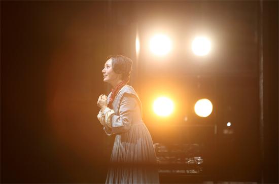 话剧《简·爱》九月归来 袁泉、王洛勇再度携手深情演绎
