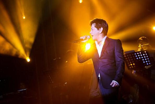 王杰登陆新加坡开唱:成名让人生有得有失