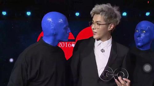 《蓝人秀》的三位主演突袭盛典 吴亦凡邓超皆中招