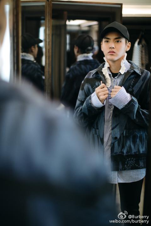 [160919] 小爷试穿Burberry新款 伦敦时装大秀倒计时
