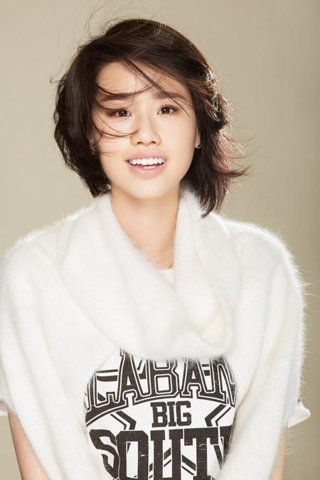 孟慧圆单曲《人啊!》歌词版MV上线 盛赞不断