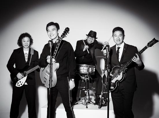 钟镇涛回归音乐重组乐队 致敬披头士十月开唱