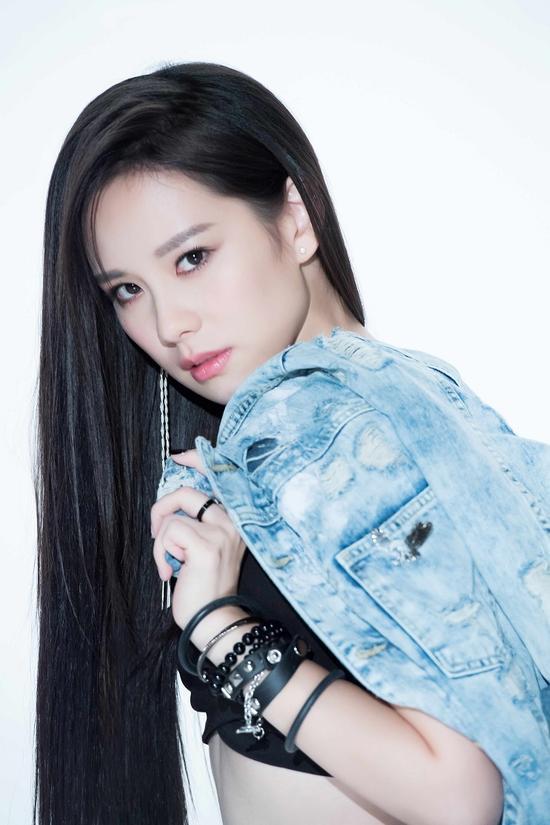王诗安推出《HOME Remix》 打造R&B全新风格
