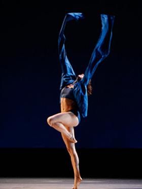 美国纽约詹妮弗·穆勒现代舞团《蜕变:黑暗到光明》