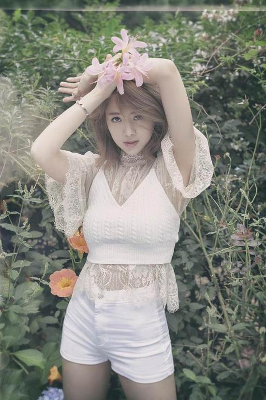 吴映洁首张个人EP首播 邀吴青峰创作新歌