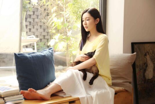 刘冯合欢单曲《爱是我的》首发 坦率回应感情