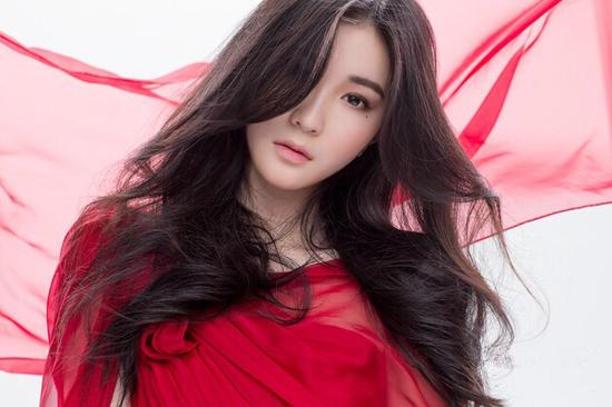 庆庆同名专辑受热捧 单曲登全球华语歌曲排行榜