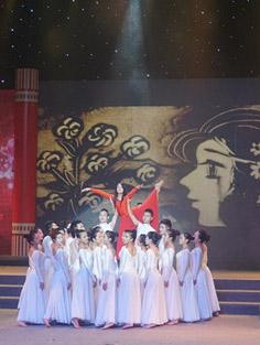 """首届""""苏州市文华奖·艺术展演季""""综合节目专场"""