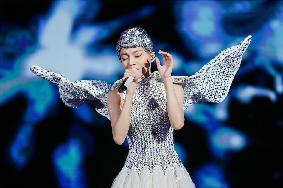 张韶涵离开7年再回北京开个唱 全场满满回忆杀