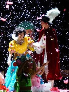 大型儿童人偶歌舞剧《白雪公主与七个小矮人》
