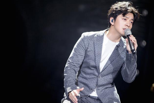 《歌手》李健以《十点半的地铁》出战 不同以往演唱风格