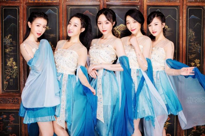 七朵组合《不一样的我》2018深圳演唱会