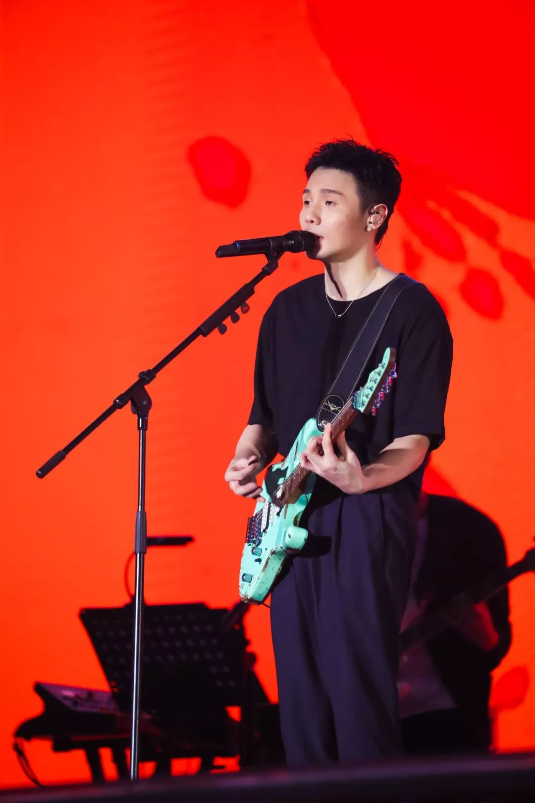 温情又会撩!李荣浩「年少有为」南京站16日开票,盛夏6月即将开唱!