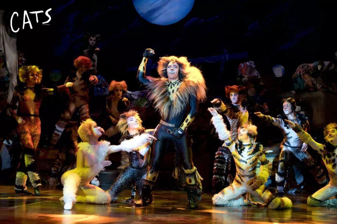 音樂總監比約恩·多布拉:我們劇場見!
