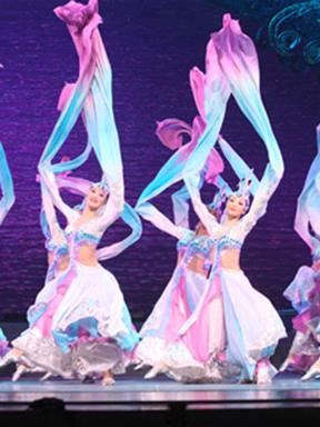 中国歌剧舞剧院大型歌舞晚会《紫气祥云》