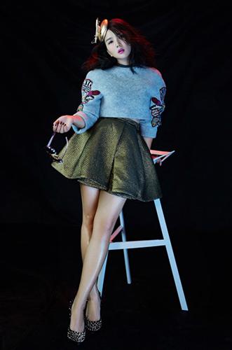 """演唱会正式版海报未来感十足时尚酷妈带来音乐版""""星际穿越"""""""