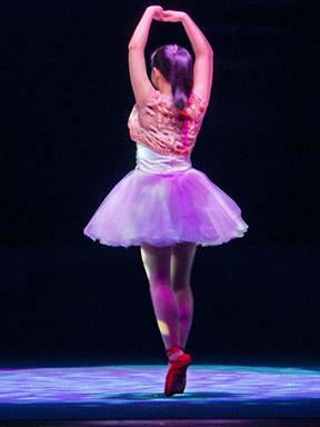 花季•苏艺儿童剧场—《琪琪的红舞鞋》