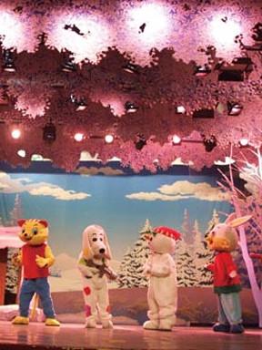 大型体验式儿童舞台剧《雪孩子》