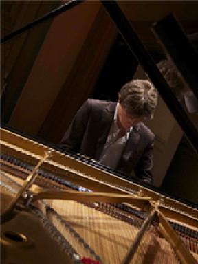 2016黑白键钢琴系列•菁英 比利时钢琴家弗洛里安•诺阿克钢琴音乐会