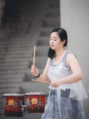 """2016苏州女性音乐节-""""中西合璧,鼓槌落音""""——青年演奏家《王盈""""打击乐""""演奏会专场》"""