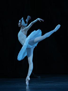 马林斯基剧院芭蕾舞团《天鹅湖》