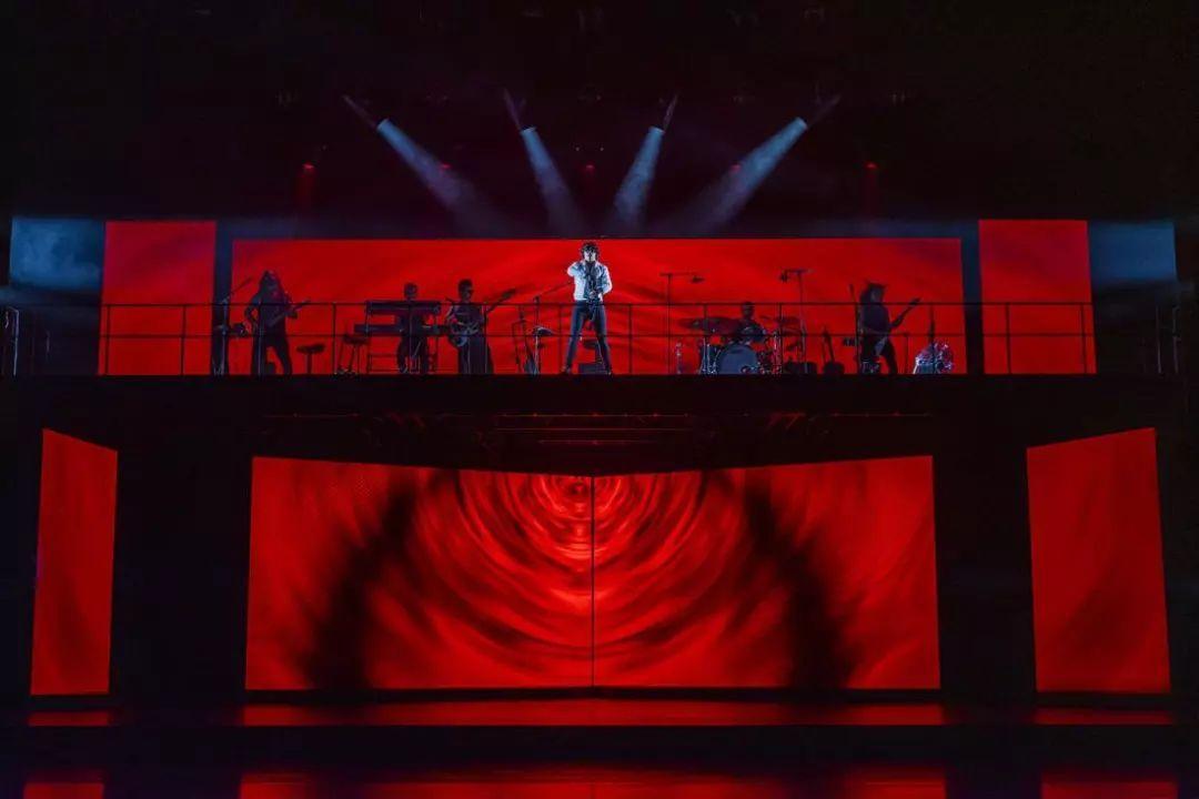当他们走上台前的那一刻,是法语音乐剧的盛世狂欢