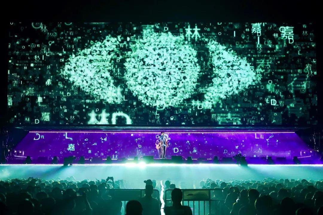 現場高清照片 | 林宥嘉idol巡演佛山初登場 萬人合唱實現十年之約