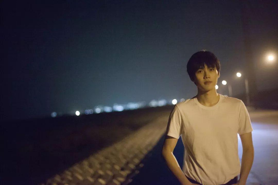 溫暖少年高楊,全新單曲《大海港》驚喜上線!