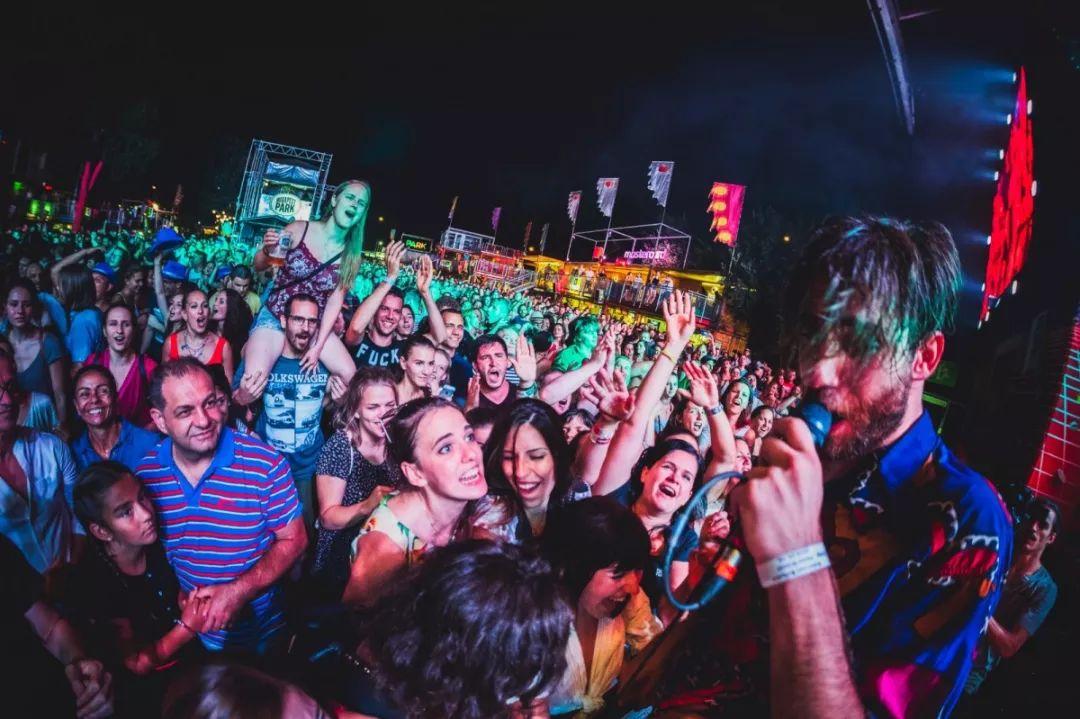 波西米亚人的吉普赛狂欢夜——让人快乐的音乐不会是低级的